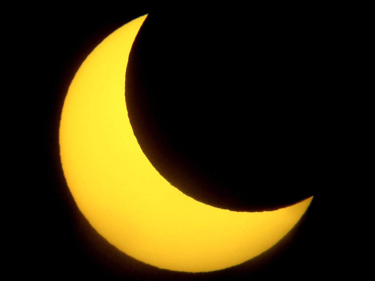 Delni Sončev mrk, kakršnega bomo lahko opazovali na javnem opazovanju. Foto: Danilo Žmegač.